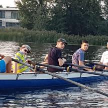 Jugend macht Pause auf dem Wasser