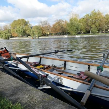 Wiking-Sternfahrt 2017: Ruderboot im Urbanhafen