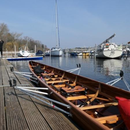 Ruderboot am Steg - Anrudern 2018