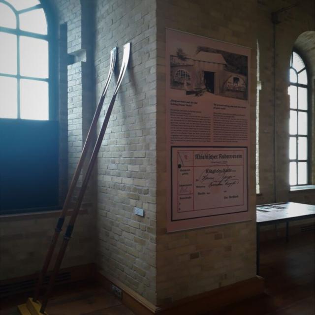 Ein Banner zum Märkischen Ruderverein im Museum