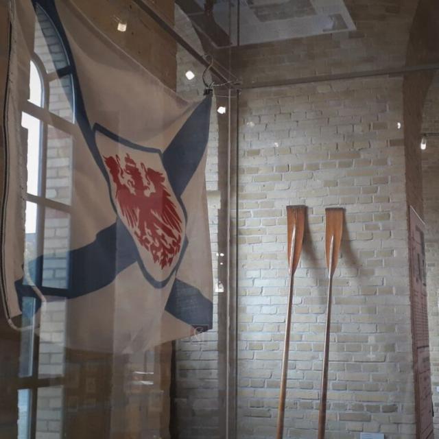Flagge des Märkischen Rudervereins im Museum
