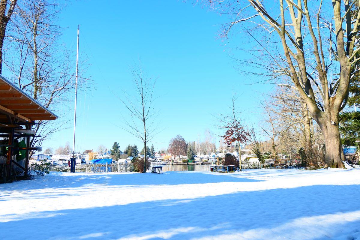 schneebedecktes Vereinsgelände